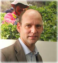 """C'est <b>Victor Ferreira</b>, qui a présidé au développement de """"Max Havelaar <b>...</b> - victor-ferreira"""